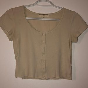 URBAN OUTFITTERS Cropped Buttoned Top